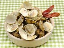 Stew ångade musslor med vitlök fotografering för bildbyråer