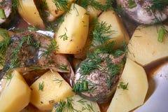 Stew σκουμπριών με τις πατάτες στοκ φωτογραφία