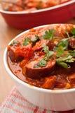 Stew λουκάνικων και φασολιών στενός επάνω Στοκ Φωτογραφία