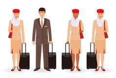 Stewardess en proef moslimkarakters Vliegende team echte mensen die zich in eenvormig met koffers bevinden royalty-vrije illustratie