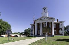 Stewart County Courthouse med historiska markörer arkivbild