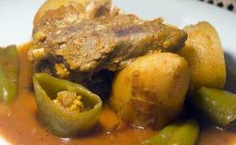 Stewed lamb med grönsaker Tunis Tunisien Arkivbild