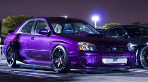 STI adapté aux besoins du client pourpre métallique de Subaru WRX photographie stock