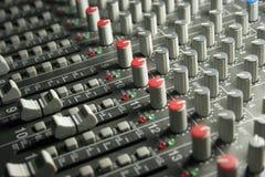 Stichhaltiger mischender Audiovorstand Stockfoto
