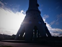 Stichting van de Ostankino-Toren in de winter stock afbeeldingen