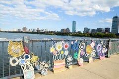 Sticka på bron mellan Cambridge och Boston i Massachusettes Fotografering för Bildbyråer