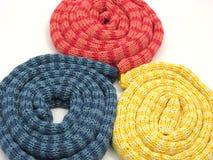 sticka reeled scarfs görade randig upp tre Royaltyfria Bilder
