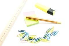 Stickers, pen en andere kantoorbehoeften Stock Foto
