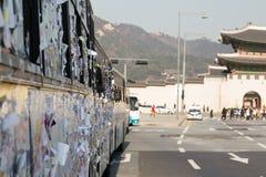 Stickies auf einem Polizeibus Stockfotografie