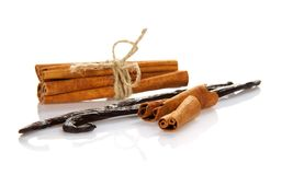 Sticks of cinnamon and vanilla Royalty Free Stock Images