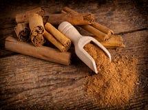 Sticks and ground ceylon cinnamon Royalty Free Stock Photos
