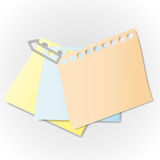 Sticky note. And paper clip Royalty Free Stock Photography
