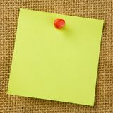 Sticky Note. Attached to bulletinboard Royalty Free Stock Images