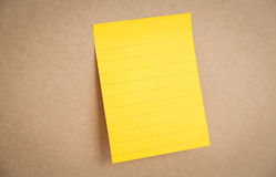 Sticky note on board Royalty Free Stock Images