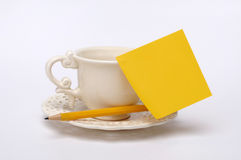 Sticky note on mug Royalty Free Stock Photography