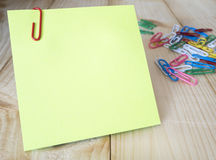 Sticky note and paper clip 17 Stock Photo