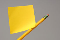 Sticky note on pencil Royalty Free Stock Photography
