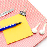 Sticky note with supplies Royalty Free Stock Photography