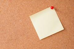 Sticky notes on cork board Royalty Free Stock Photography