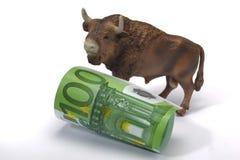 Stier en euro Royalty-vrije Stock Afbeeldingen
