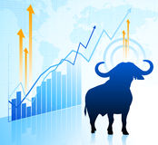 Stier op wereldmarktachtergrond Stock Afbeeldingen