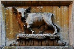 Stier-Skulptur, Blickling Hall, Aylsham, Norfolk Lizenzfreie Stockfotografie