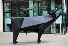 Stierenstandbeeld op de Plaats van de Koning, Londen Royalty-vrije Stock Foto's