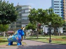 Stierenstandbeeld op ` 7 Juni-Park ` in Lima wordt gevestigd dat Royalty-vrije Stock Foto