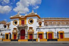 Stierkampfarena-Piazza toros Sevilla Sevillas Maestranza lizenzfreie stockbilder