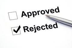 Stift über Dokument, wählen zurückgewiesen vor stockfoto