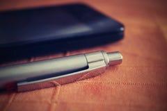 Stift auf dem Tisch Lizenzfreies Stockfoto