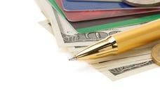 Stift auf Dollargeldbanknoten Stockfoto