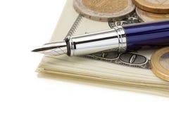 Stift auf Dollargeldbanknoten Lizenzfreie Stockbilder