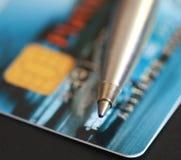 Stift und Kreditkarte Lizenzfreie Stockfotos