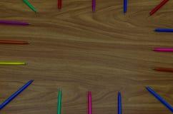 Stifte auf einem Desktop Stockfotos