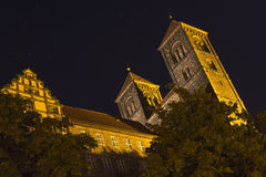 The Stiftskirche church in Quedlinburg, Germany, at night Stock Photo