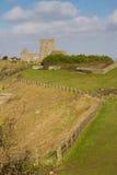 Stigande kyrka och fartyggård Somerset Royaltyfria Bilder