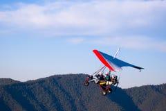 stigande microlight för flygplan Arkivfoto
