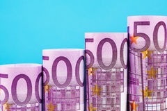 Stigande moment som göras av 500 eurosedlar Arkivfoto