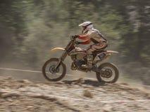 Stigande mopedkörning Arkivfoto