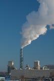 stigande rök för fabrik Arkivbild
