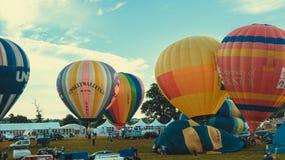 Stigning av ballonger arkivfoton
