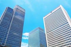 stigning för högt kontor för byggnader royaltyfri foto