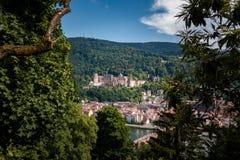 Stigning till filosoferna med en sikt av den Heidelberg slotten, Heidelberg, Baden-Wuerttemberg, Tyskland arkivfoto