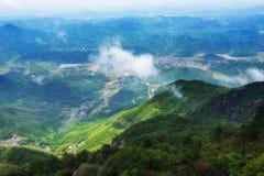 Stijg een hoogte om van een verre mening-Lingshan Shangrao te genieten royalty-vrije stock afbeeldingen