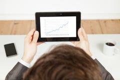 Stijgende grafiek op tablet Royalty-vrije Stock Fotografie