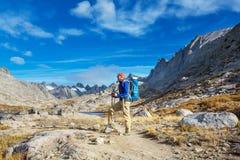 Stijging in bergen royalty-vrije stock fotografie