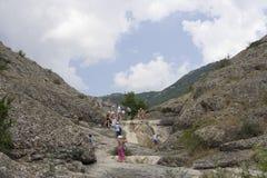Stijging in de bergen Stock Fotografie