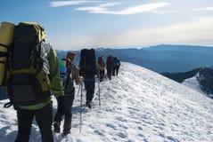 Stijging in een de winterberg Stock Foto