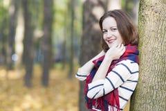 Stijl en Manierconcept: Kaukasisch Vrouwelijk ModelDressed in Varkenskot Stock Afbeelding